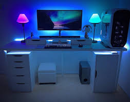 Desk For Gaming Pc by Simple Minimalist White Gaming Computer Desk Setup With Large