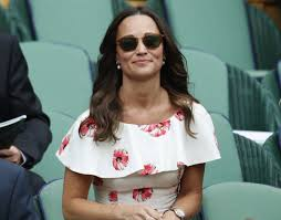 pippa middleton flashes a lot of skin and risks wardrobe