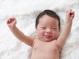 your newborn s reflexes what to expect