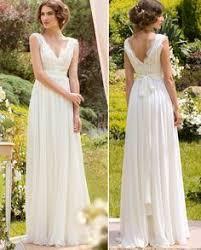 brautkleid schlicht schlicht und doch raffiniert hochzeitskleid im boho style