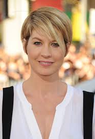 pictures of short hairstyles older women