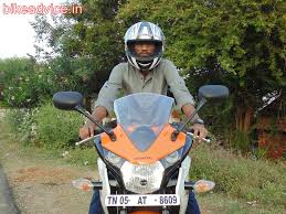 honda cbr showroom user review honda cbr150r pros cons mileage u0026 details
