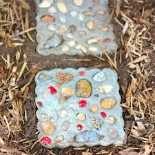 Garden Stone Craft - seashell garden stone fun family crafts