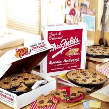 mrs fields cookie cakes mrs fields pizza cookie cake