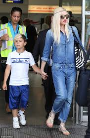 gwen stefani arrives for a sun soaked holiday in the french