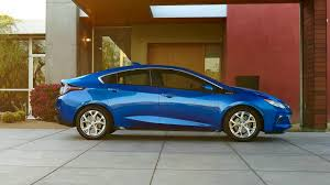 nissan leaf what car volt vs leaf which hybrid car is best nissan or chevrolet