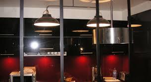 cuisine atelier d artiste une cuisine fonctionnelle dotée d une verrière type atelier d