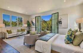 Kris Jenner Bedroom Furniture Kris Jenner Just Bought The 10 Million Home Across From Kim