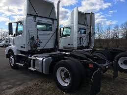 2009 volvo semi truck single axle daycabs for sale