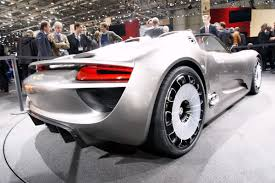spyder porsche price report claims porsche may price 918 spyder at 630 000 or 1 5