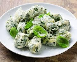 cuisiner le vert des blettes recette gnocchis au vert de blettes