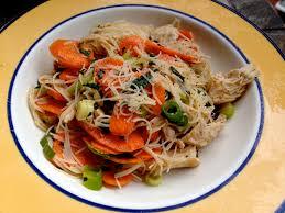 cuisiner vermicelle de riz salade fraîcheur aux vermicelles de riz crudités et poulet