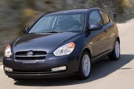 3 door hyundai accent 2010 hyundai accent overview cars com