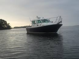 2005 compton 33 downeast express boat for sale