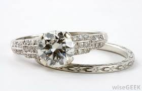 what is an engagement ring what is the difference between engagement rings and wedding rings