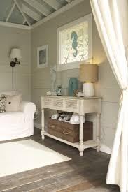 Beach Style Bedroom Furniture by Best 25 Seaside Cottage Decor Ideas On Pinterest Coastal Decor