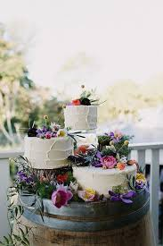 wedding cake display american vintage rentals wedding rentals furniture decor