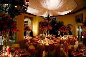 cool centerpieces for christmas party decoration ideas with red