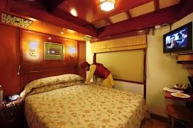 which is the first indian luxury train to provide hotel service