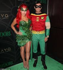 Batman Robin Halloween Costumes Girls 35 Couples Halloween Costumes Ideas Inspirationseek