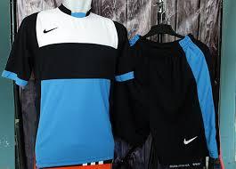 Baju Gambar Nike jual grosir ecer setelan baju kaos bola futsal nike psg hitam biru