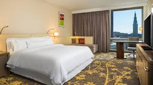 Guest Room Cleveland Accommodations Deluxe Guest Room The Westin