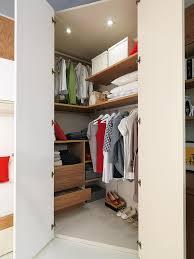 armadio angolare per cameretta cabine armadio su misura per camerette bambini marzorati camerette
