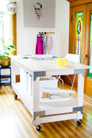 Diy Craft Desk With Storage by The 25 Best Sewing Cutting Tables Ideas On Pinterest Cutting
