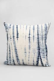 best 25 blue throw pillows ideas on pinterest white pillows