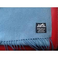plaid en cachemire echarpe hermes plaid hermes bleu tissu mixte a52046 1600 a 5 jpg