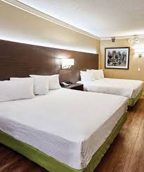 hotels with 2 bedroom suites in st louis mo sunset 2 queens hotel room hollywood casino st louis