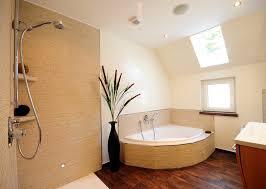 badezimmer mit eckbadewanne eckbadewanne bilder ideen couchstyle eckbadewanne modern
