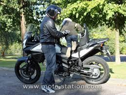 siege scooter occasion transporter un enfant à moto ou scooter part 1 la loi le code
