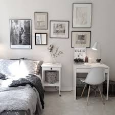 Small Bedroom Decor by Best 20 Bedroom Layouts Ideas On Pinterest Small Bedroom