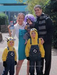 Despicable Minion Costume Awesome Homemade Despicable 2 Family Costume Costumes