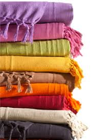 plaid coton pour canapé comment choisir votre housse de canapé ou de fauteuil becquet