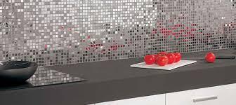 carrelage mural mosaique cuisine carrelage inox nouvelle tendance cuisine sdb carrelage
