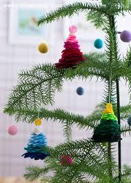 julgranar av filt u0026 knappar u2013 felt and button christmas trees