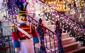 Osborne Family Spectacle Of Dancing Lights The Osborne Spectacle Of Dancing Lights Frontierland Station