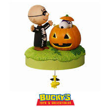 hallmark 2016 ornament trick or treat the peanuts