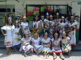 imagenes penachos aztecas penachos aztecas traje azteca hombre concheros danza prehispanica