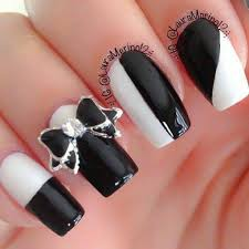 58 modern black and white nail art to make you look easy breezy