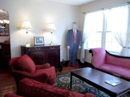 trumps home in trump tower rent donald trump s childhood apartment in queens on airbnb jetset