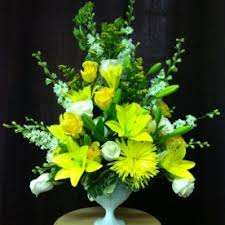 flower delivery wichita ks laurie s house of flowers flower delivery wichita ks
