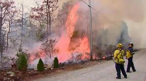 Wildfire Boulder Today by Firefighters Battle Wildfire To Save Homes In North Carolina Nbc
