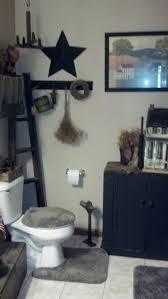 primitive country bathroom ideas best 25 primitive bathrooms ideas on rustic master