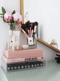 How To Make A Makeup Vanity Mirror Best 25 Makeup Desk Ideas On Pinterest Vanity Vanity Area And