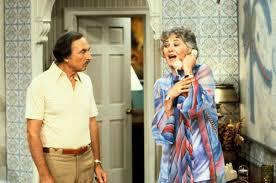 Seeking Cast Maude Was Maude Findlay A Fashionista Or A Fashion Disaster Sitcoms