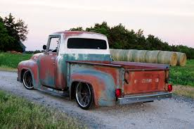 Old Ford Truck Motors - 1956 ford f 100 that looks like a rundown old pickup truck but