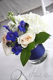 events low rf0539 small navy and white centerpiece